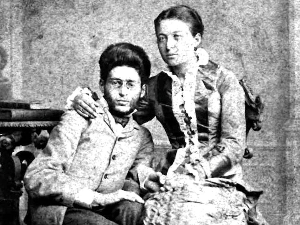 Ben Yehuda and his wife Devora in 1882, soon after their arrival in Jerusalem.